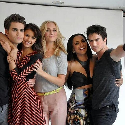 Nina with TVD Cast at Comic Con 2013