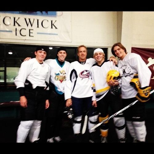 Our R5Family Hockey Team