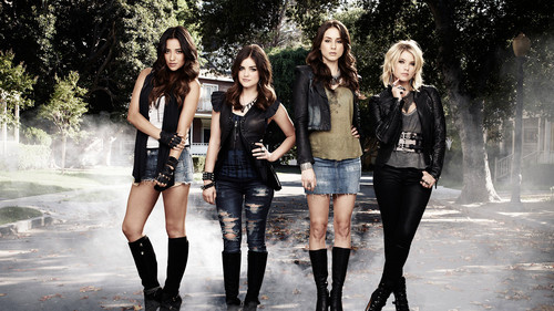 Pretty Little Liars TV Show wallpaper with a hip boot called PLL