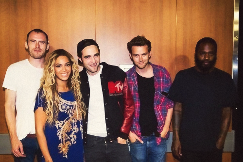 Rob with Beyonce and his mga kaibigan