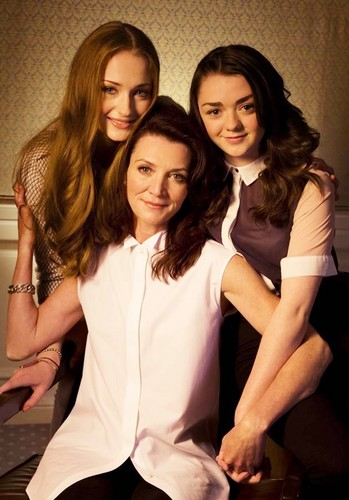 Sophie Turner, Michelle Fairley and Maisie Williams 【LA Times】