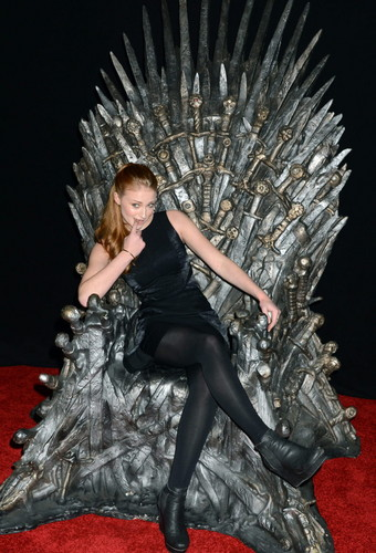 Sophie Turner 【Iron Throne】