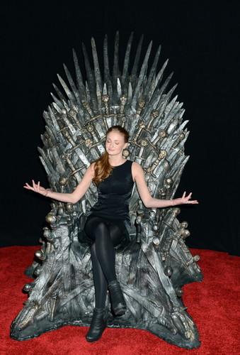Sophie Turner 【Iron Throne】