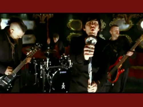 Three Days Grace kertas dinding called Three Days Grace - Animal I Have Become {Music Video}