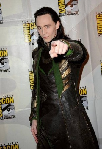 Tom Hiddleston/Loki introduces Thor 2 Footage