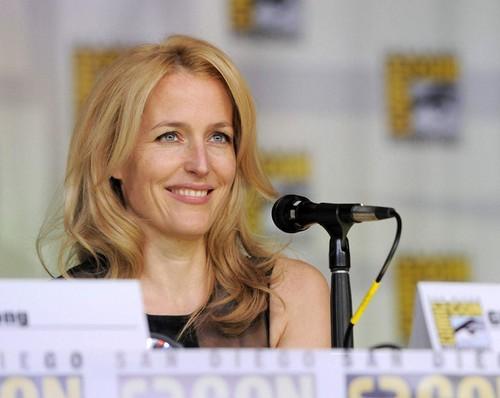 X-Files 20th Ann Panel at San Diego Comic Con 2013