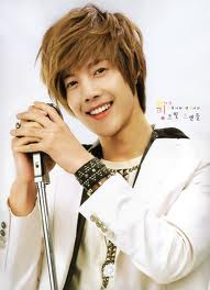 Kim Hyun Joong karatasi la kupamba ukuta titled o_o