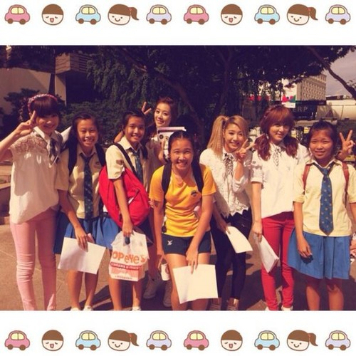 skarf.with.school.students