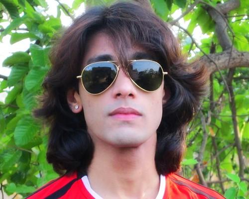 swEEt SeXy Reflection Of Rajkumar