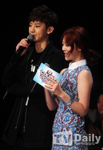 F(x) wallpaper possibly with a concert entitled {Official} EXO's Chanyeol and f(x)'s Sulli13.08.01 EXO @ Mnet M!Countdown