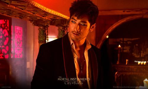 """""""The Mortal Instruments: ity of Bones"""" Magnus 壁紙"""