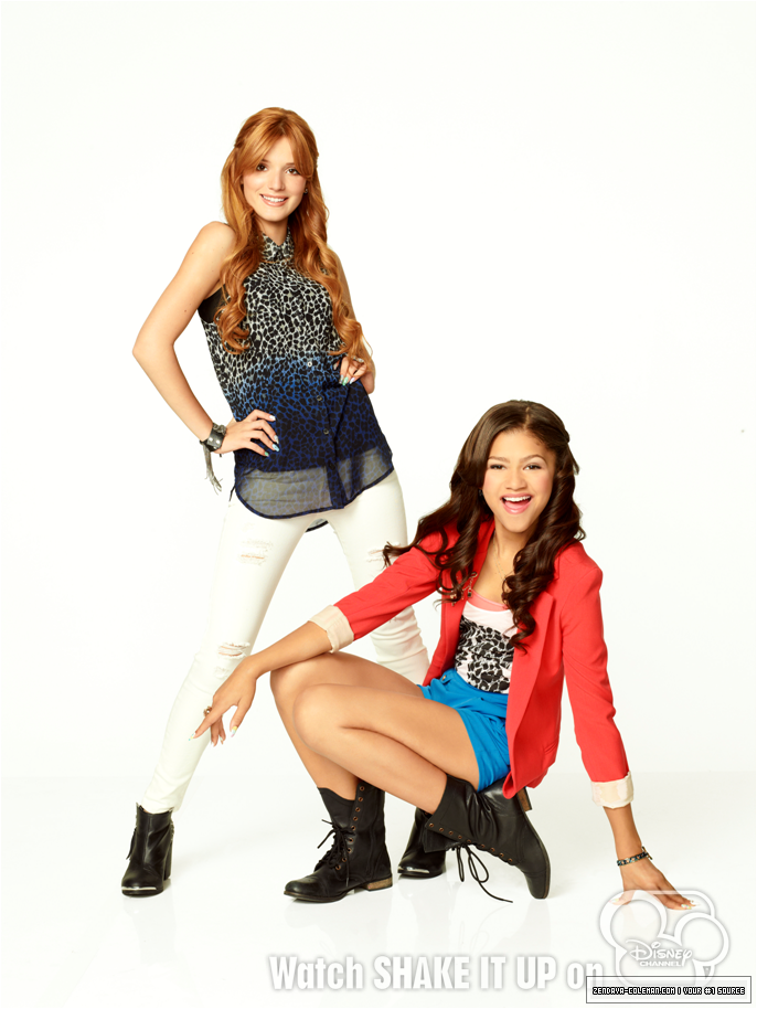 bella thorne and zendaya   zendaya coleman photo 35102504