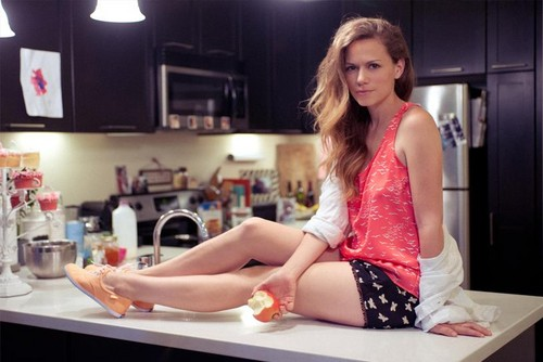 ワン・トゥリー・ヒル 壁紙 probably with a kitchen, a kitchenette, and a stove entitled Bethany Joy Lenz ✔