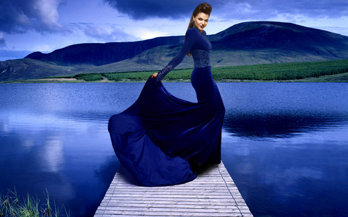 La Méchante Reine/Regina Mills fond d'écran titled Blue Queen