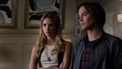 Hanna & Caleb wallpaper possibly containing a top and a portrait titled Caleb & Hanna ♥