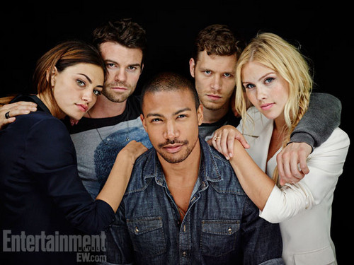 The Originals پیپر وال probably with a business suit, a well dressed person, and a portrait entitled Cast The Originals