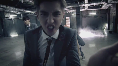 এক্সো ~ 'Growl' MV