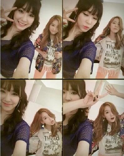 Girls' Generation members greet Tiffany a happy birthday
