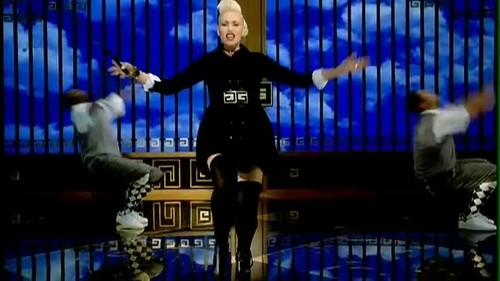 Gwen Stefani- Wind It Up {Music Video}