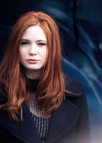Amy Pond वॉलपेपर probably with a business suit, a well dressed person, and a portrait titled Karen Gillan