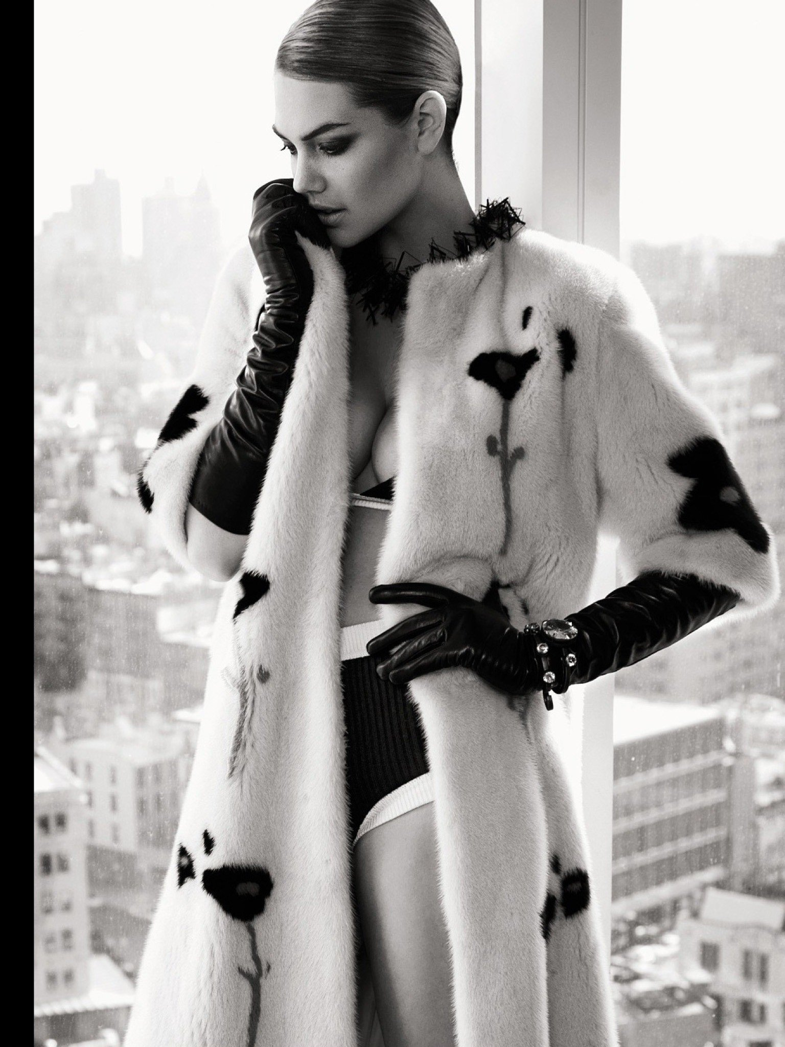 "Kate Upton ""Vogue MAGAZINE"""
