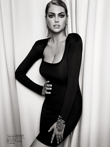 "Kate Upton ""Vogue MAGAZINE"""