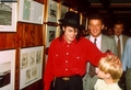 Michael and Macaulay - michael-jackson photo