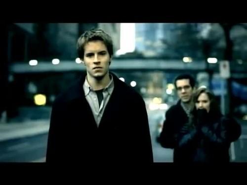 ニッケルバック - Savin Me {Music Video}