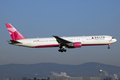 Pink Delta Boeing 767-400ER
