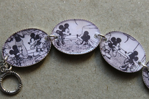 Retro Mickey and Minnie マウス comic strip bracelet
