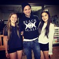 Robert with 2 young fans on July 25,2013 - robert-pattinson-and-kristen-stewart photo