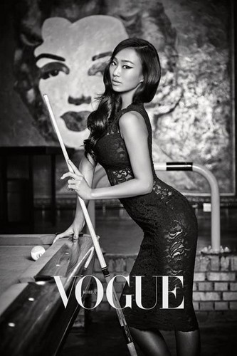 SISTAR's Hyorin for 'Vogue Korea'