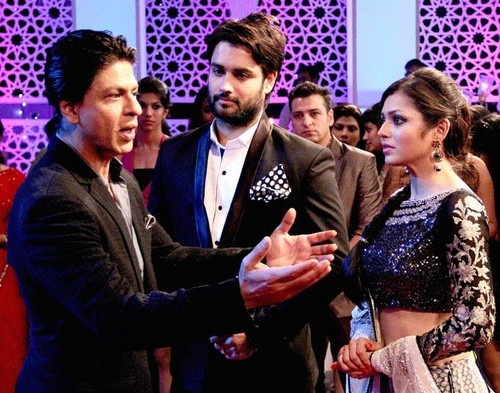 SRK-Deepika on set of Madhubala