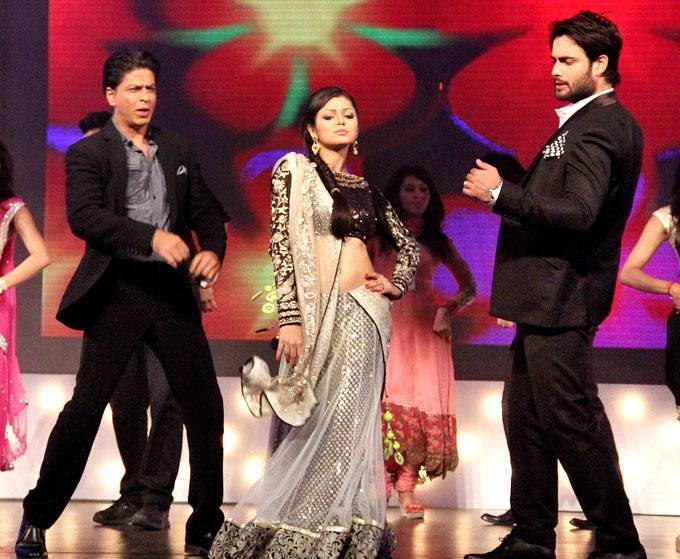 SRK-Deepika on set of Madhubala