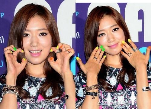 Shin Hye at Neon douche Party
