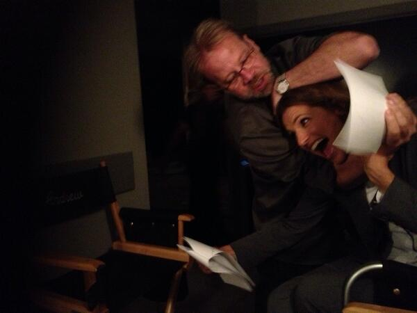 Stana Katic behind the scenes of château S6
