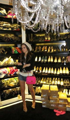 Emma Watson wallpaper entitled The Bling Ring -BTS Photo