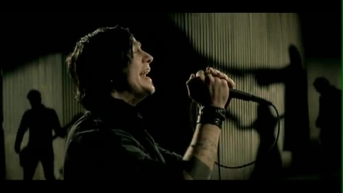 Three Days Grace kertas dinding with a konsert called Three Days Grace - Never Too Late {Music Video}