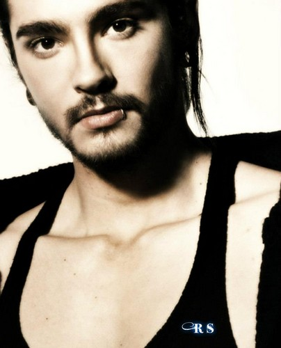 Tom Kaulitz 壁纸 possibly with a portrait titled Tom Sexy Kaulitz