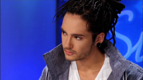 Tom Kaulitz fond d'écran possibly with a portrait titled Tom Sexy Kaulitz