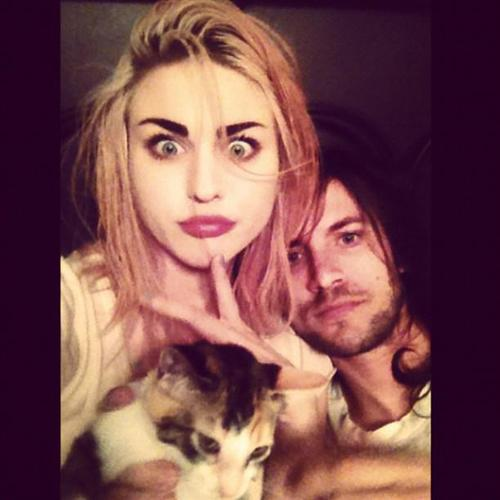 Frances Bean Cobain wallpaper possibly with a portrait titled frances