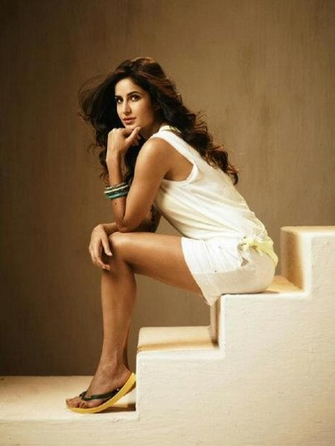 Katrina Kaif karatasi la kupamba ukuta possibly with bare legs, tights, and a stocking, pantyhose called katy