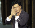 srk saying im sorry - shahrukh-khan photo