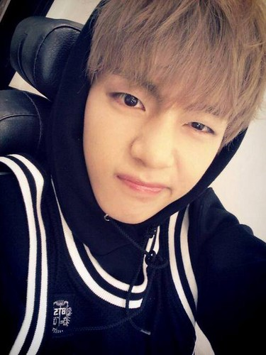 वी (बी टी एस )#A club for Kim Taehyung a.k.a V, the vocalist of BTS! वॉलपेपर called ☆ Kim Taehyung / V ☆
