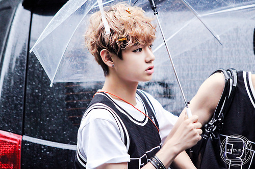 v (bts) fondo de pantalla possibly with a parasol called ☆ Kim Taehyung / V ☆