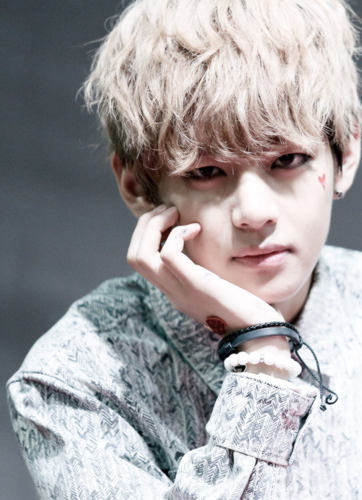 V (bts) kertas dinding probably containing a portrait called ☆ Kim Taehyung / V ☆