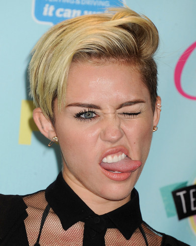 ❤ Miley Cyrus at TEEN CHOICE AWARDS 2013 ❤