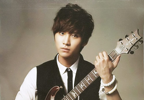 F.T. Island wallpaper possibly containing a guitarist titled ♦ Seunghyun ♦