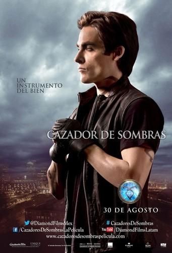 """The Mortal Instruments: City of Bones"" Alec poster [Spanish]"