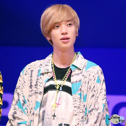 ♥ niel ♥ @KPOP MEETS THE WORLD